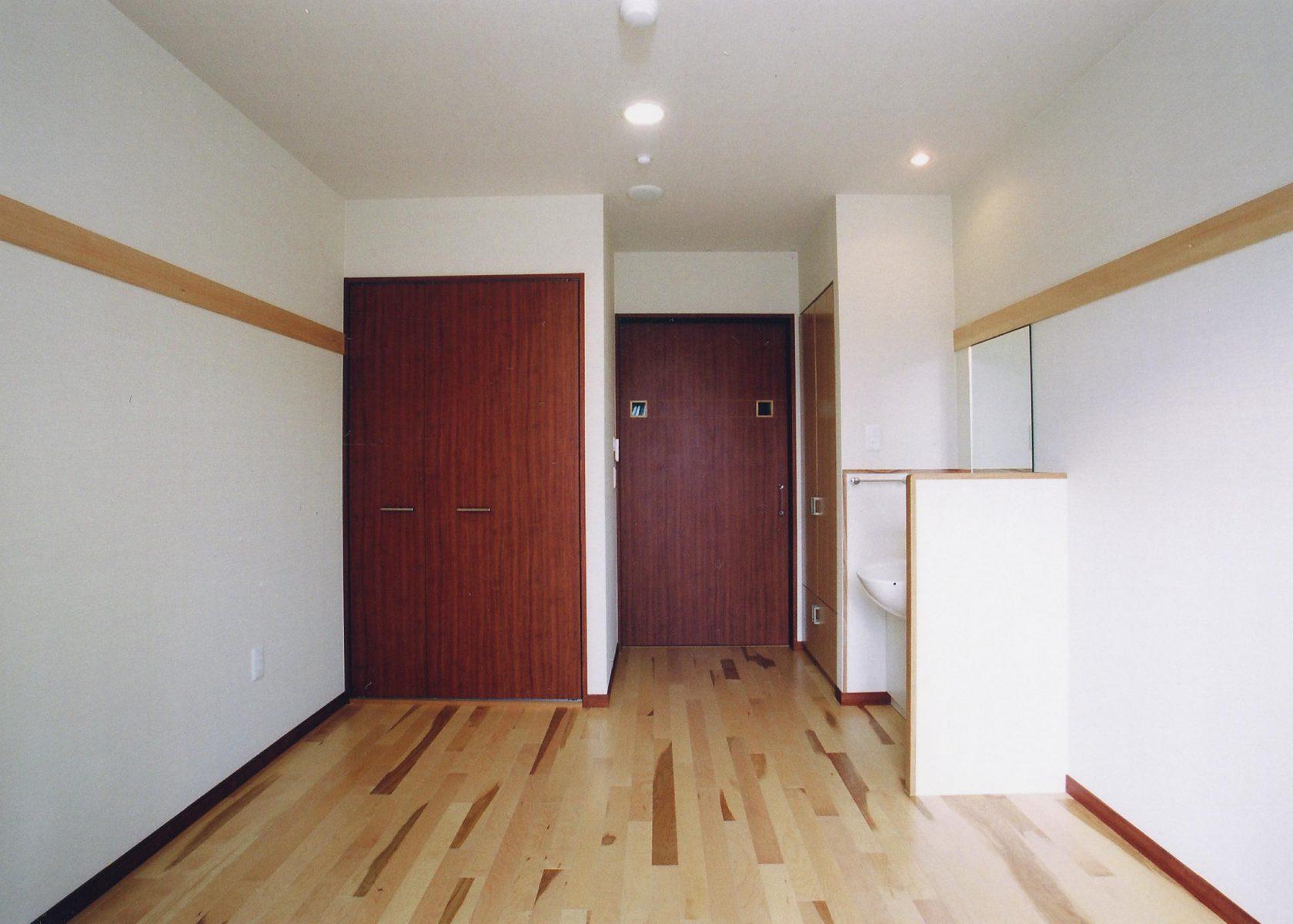 居室 出入口側