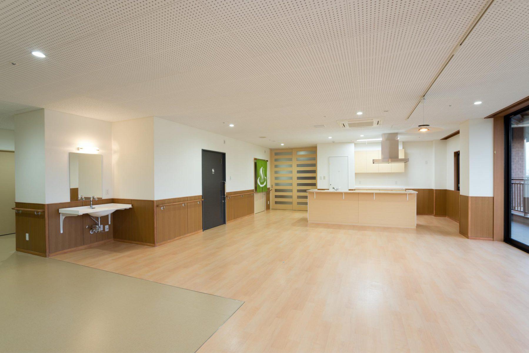 2階デイルーム、キッチン