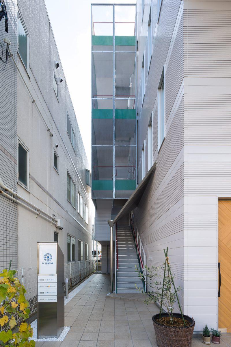 外観 屋外階段
