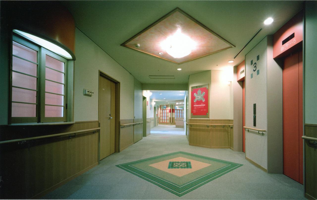 病棟エレベーターホール