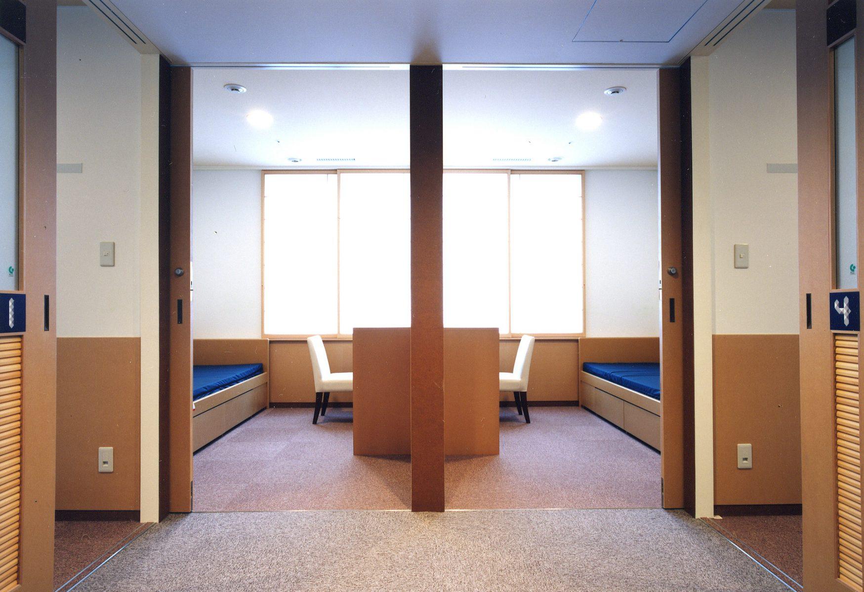 4床室入口