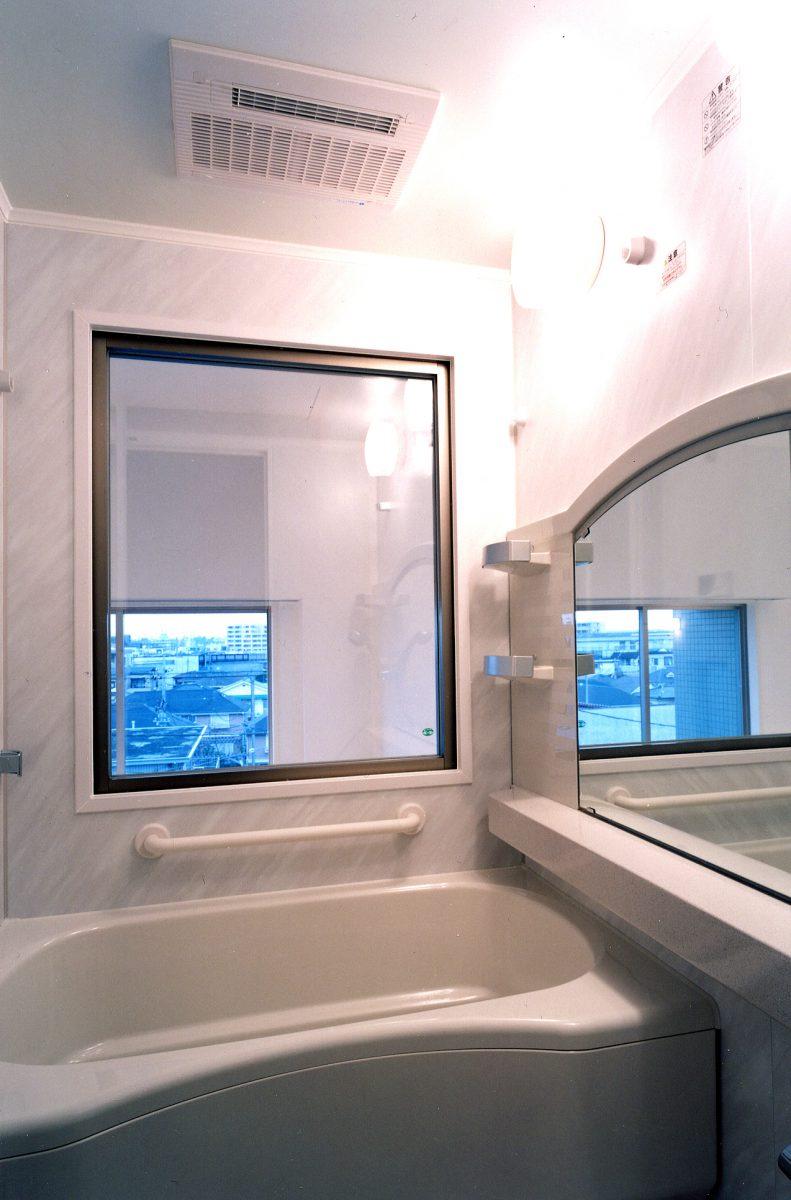 上階・浴室