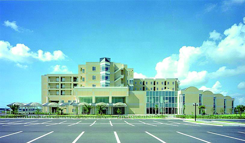 愛知厚生連渥美病院〈医療福祉建築賞2002〉〈第33回中部建築賞〉
