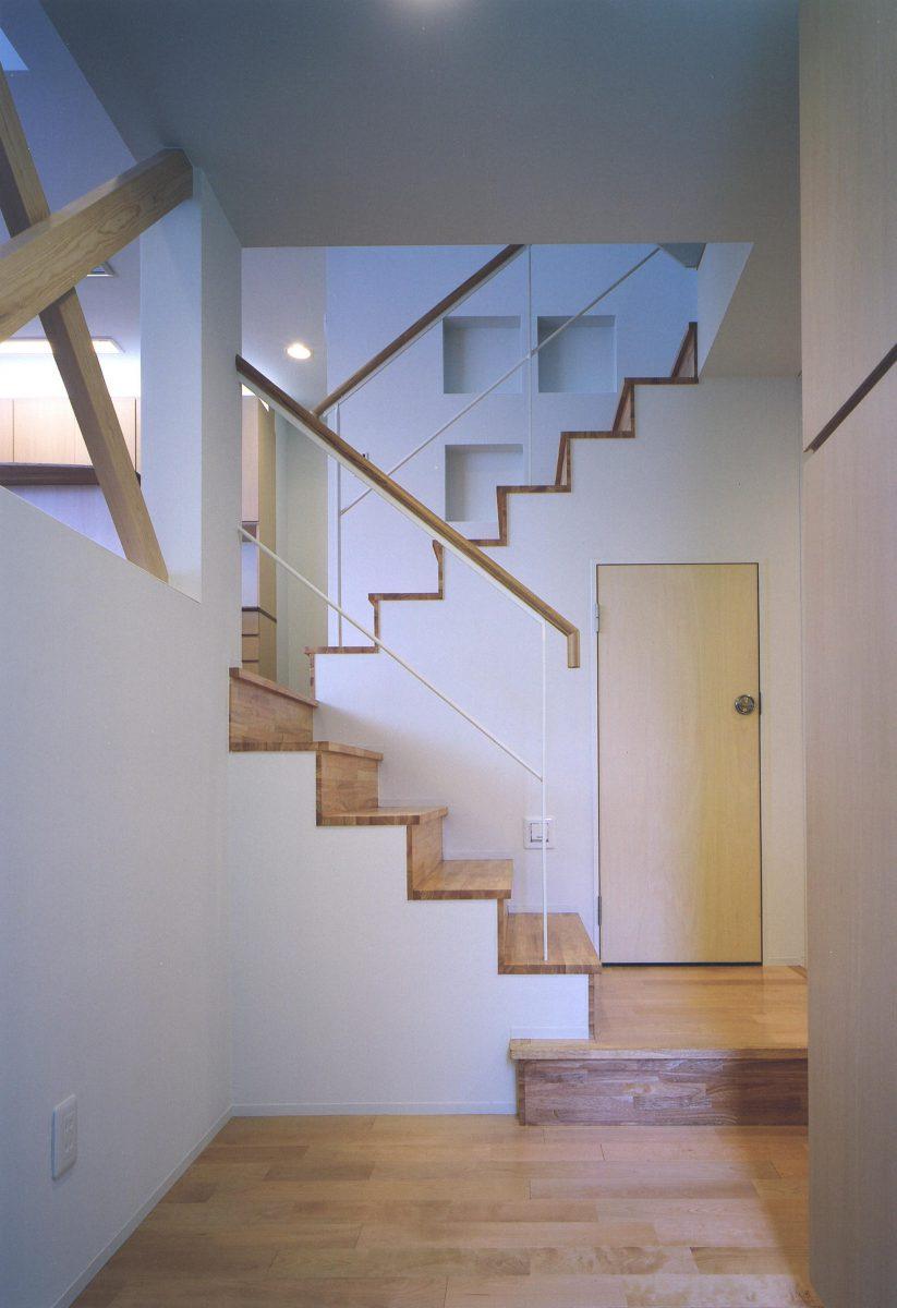 ホールよりスキップ階段