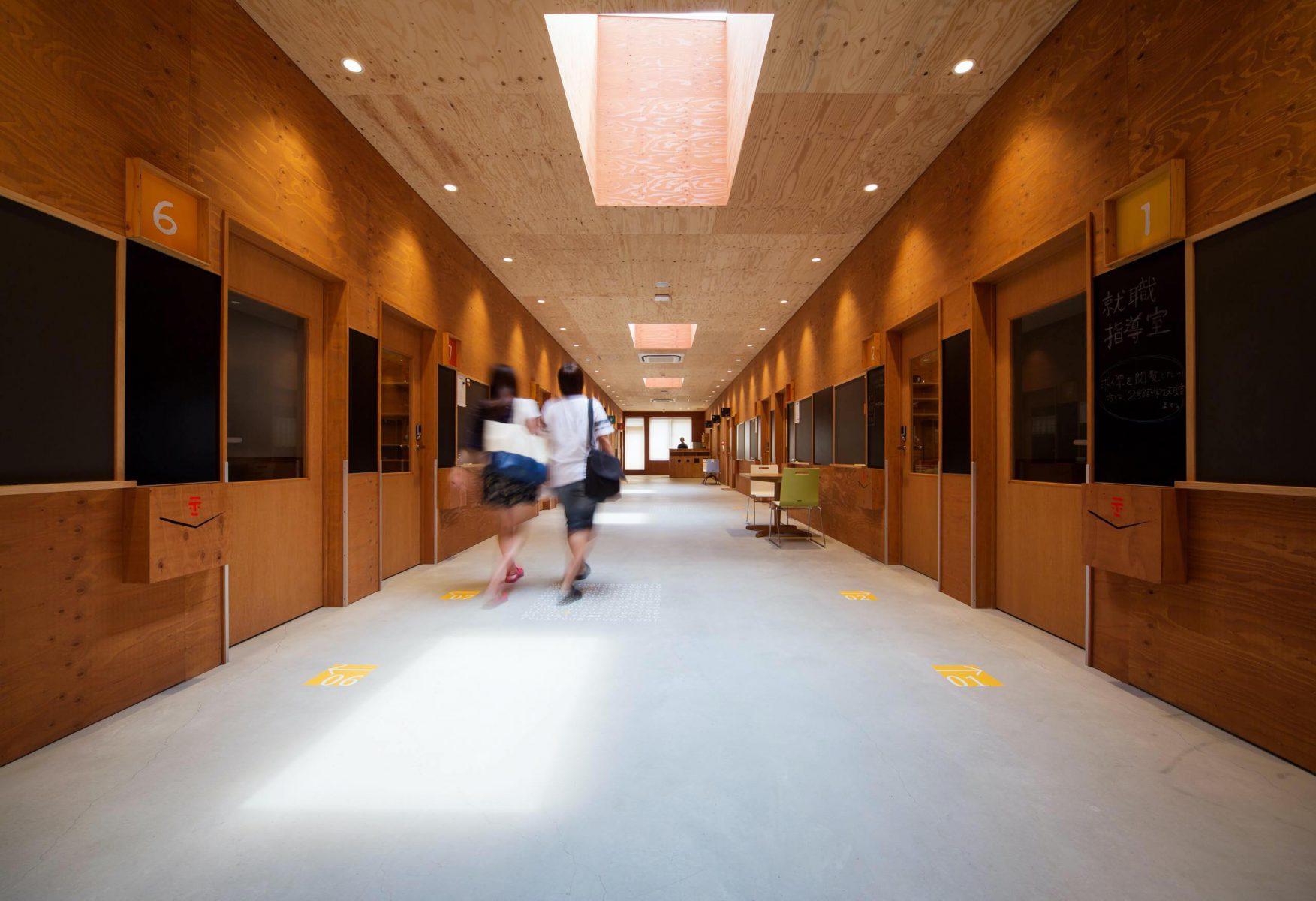研究室前廊下